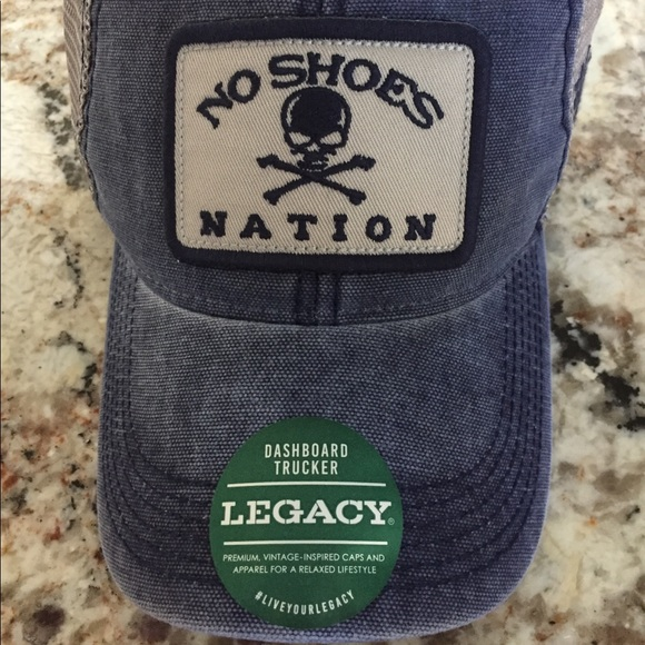 c965bd6e26af17 Kenny Chesney no shoes nation hat. M 5b84a1c3e9ec89086f33812f